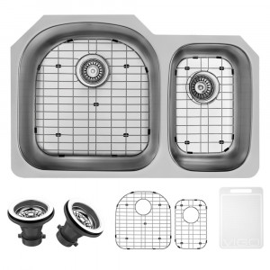 "VIGO 31"" BRADDOCK STAINLESS STEEL DOUBLE BOWL UNDERMOUNT KITCHEN SINK, LEFT, WITH GRIDS AND STRAINERS"
