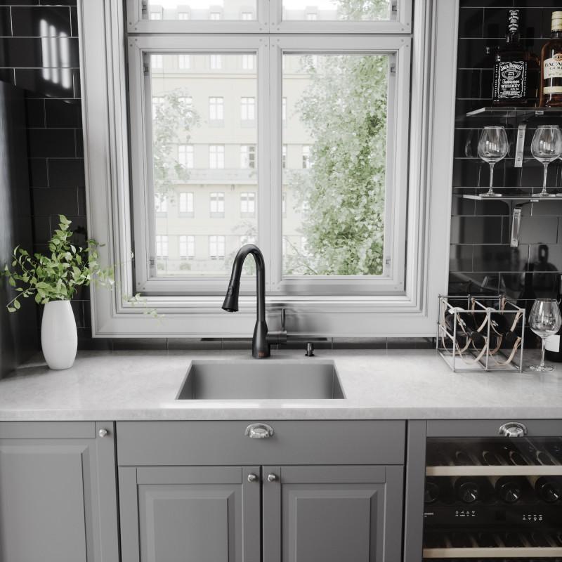 Vigo Aylesbury Pull Down Spray Kitchen Faucet