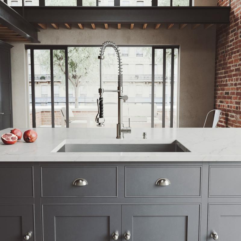 Vigo All In One 32 Ludlow Stainless Steel Undermount Kitchen Sink