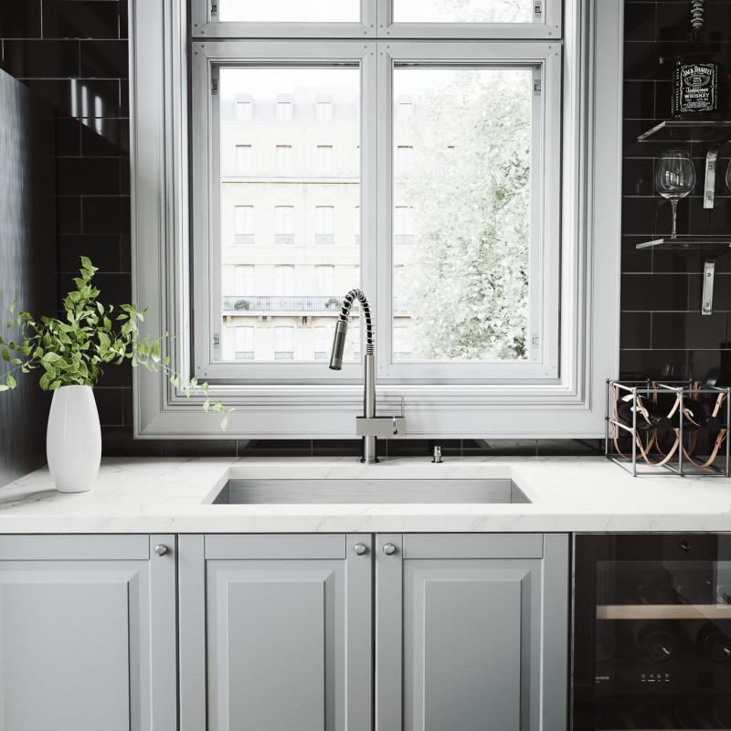 Vigo All In One 30 Ludlow Stainless Steel Undermount Kitchen Sink
